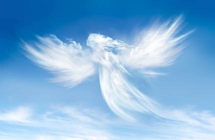 Ange dans les nuages